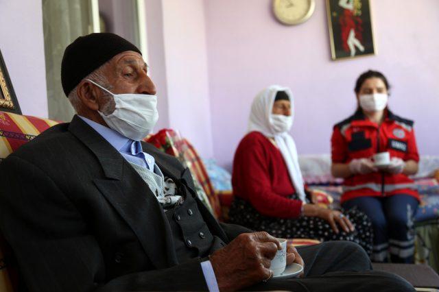 Türkiye'yi gülümseten çifte sözünü tuttular, kahve içmeye gittiler
