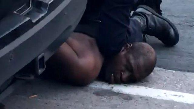 ABD'de polis tarafından boğularak öldürülen adamın ailesi ilk kez konuştu