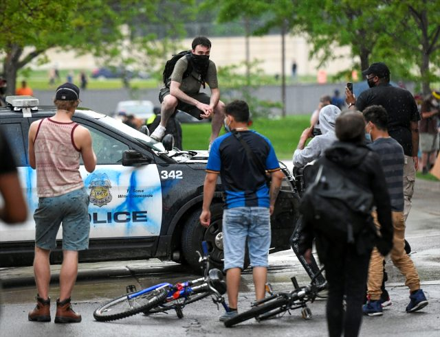 ABD'deki ırkçılık protestolarında olaylar giderek büyüyor