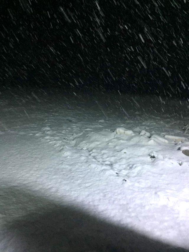 Afyonkarahisar'ın Kumalar Yaylası'na haziran ayına 3 gün kala kar yağdı