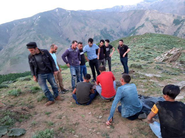 Bitlis'te çobanlık yapan 3 çocuk babası, yıldırım çarpması sonucu vefat etti