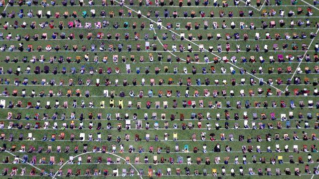 10 haftalık 'Cuma namazı' hasreti sona erdi! Stadyumlar doldu taştı