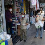 Farkındalık için esnafa 5 bin maske dağıttılar