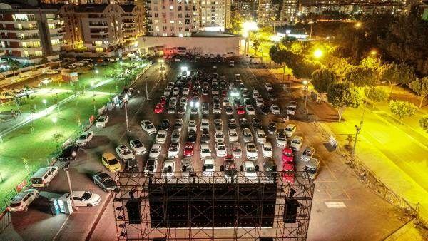 Antalya'da, 'arabada açık hava sineması' etkinliği