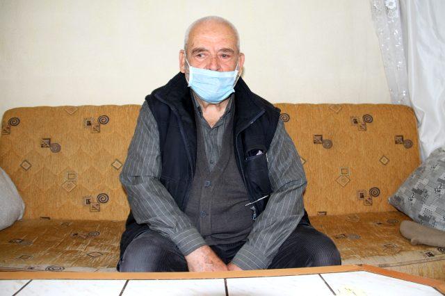 Yaş sınırına takıldığı için cemaatle namaz kılamayan yaşlı adam konuştu