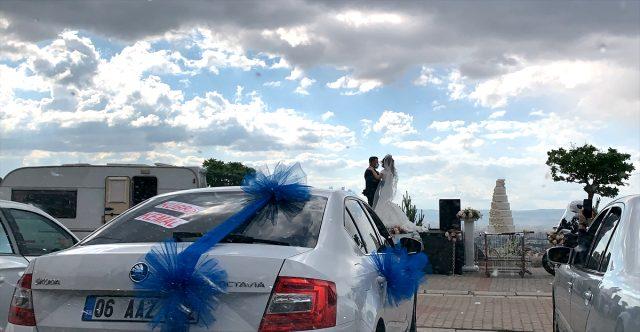 Kayseri'de arabalı düğün ile dünyaevine girdiler