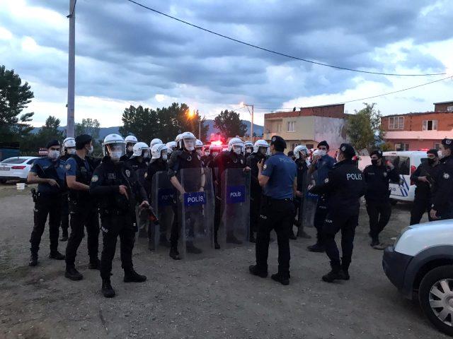 Son Dakika: Bursa'da iki grup arasında çıkan çatışmada bir polis memuru şehit oldu