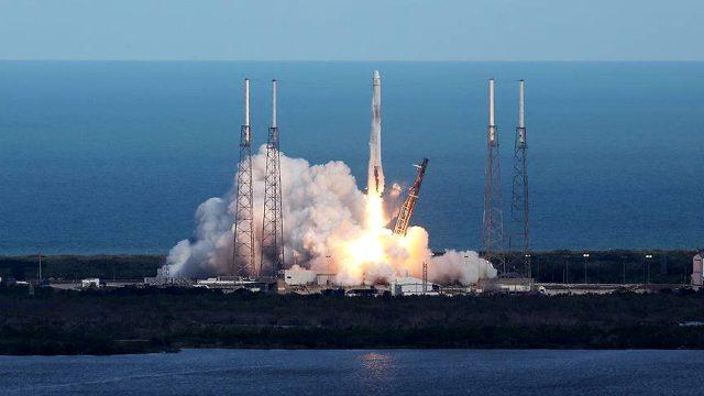 SpaceX nedir? SpaceX nereye gidiyor? SpaceX'de aç kişi var? SpaceX sahibi kim? SpaceX önemi nedir? Crew Dragon uzay aracının özellikleri nelerdir?