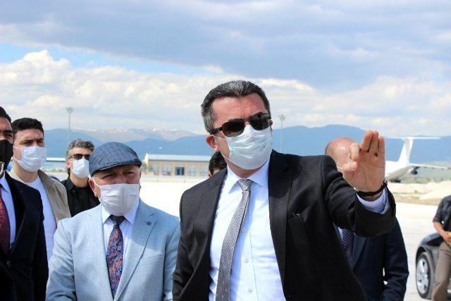 Erzurum Havalimanı pisti bitmeyince Vali çıldırdı: Utancımdan sokağa çıkamam