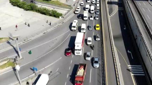 Normalleşme sürecinin ilk gününde trafik yoğunluğu yüzde 54'e ulaştı