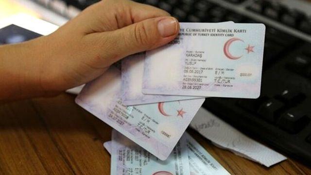 Türkiye'de bir ilk! 3 farklı ödeme çipli kimlik kartlarıyla PTT ATM'lerinden yapılacak