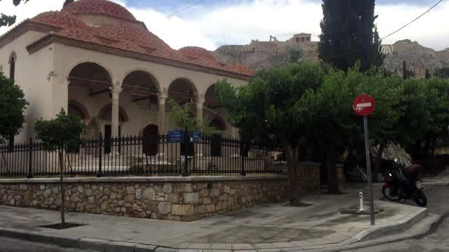 Atina camisiz başkent, tarihi Fethiye Camisi ise sergi salonu - ATİNA