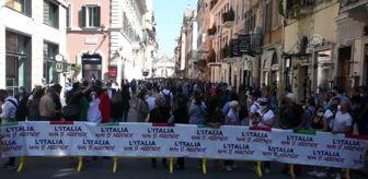 Antonio Tajani: İtalya'da sağ seçmenler hükümeti protesto etti - ROMA