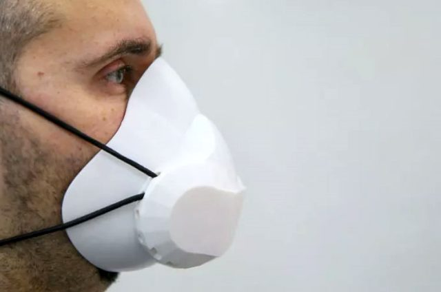 Sağlık çalışanlarının korunması amacıyla kendi kendini temizleyen maske geliştirildi