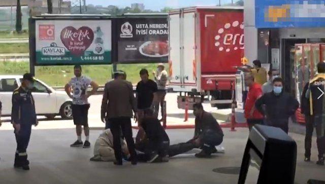 Silahlı saldırgan, göğsünden vurduğu adamı ölüme terk ederek otomobilini alıp kaçtı
