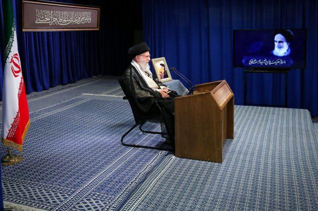 İran Dini Lideri Hamaney, İran devrimiyle ilgili özeleştiri yaptı