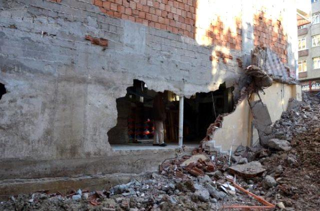 Avcılar'da kiraladığı dükkanın bir duvarının olmadığı ortaya çıktı