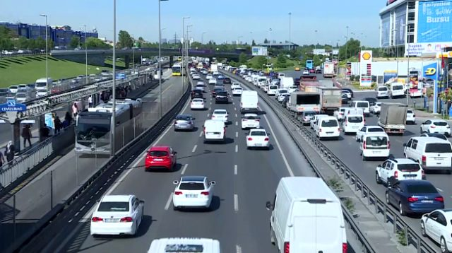 İstanbul'da trafik yoğunluğu yüzde 70'e ulaştı