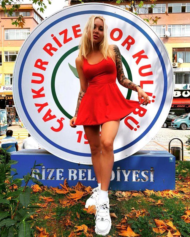 Mykola Moroziuk'un eşi Irina Moroziuk'un spor salonunda yaptığı dans büyük beğeni topladı