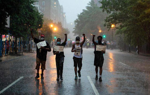 ABD'de tarihin en yüksek katılımlı gösterisi yapılacak! Beyaz Saray abluka altına alındı