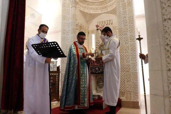 Mardin'deki kiliseler yeniden ibadete açıldı