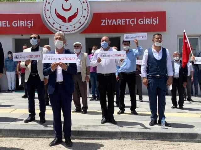 15 Temmuz gazileri ve şehit yakınları, Bakanlık önünde toplanarak eylem yaptı