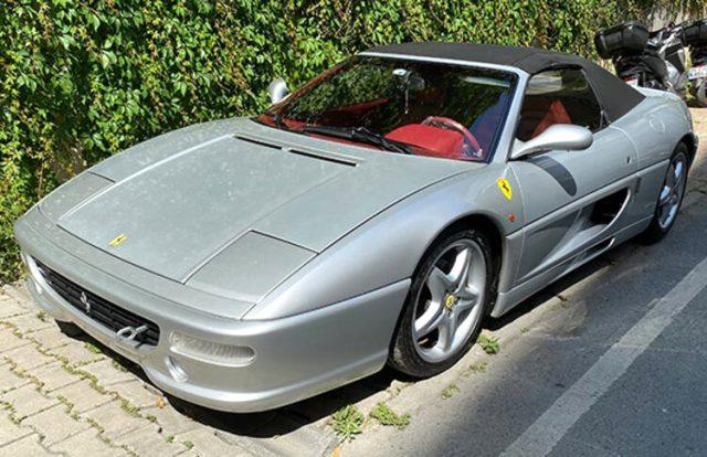 Ferrari'sine alıcı bulamayan Kıvanç Tatlıtuğ'dan flaş hamle