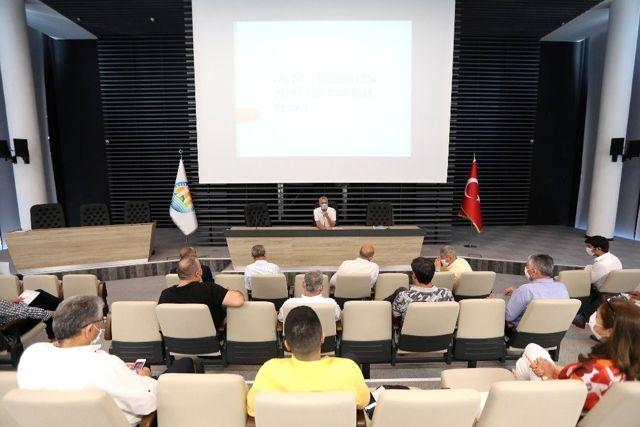 Mezitli Belediyesi meclis üyelerine yaz dönemi çalışmaları anlatıldı