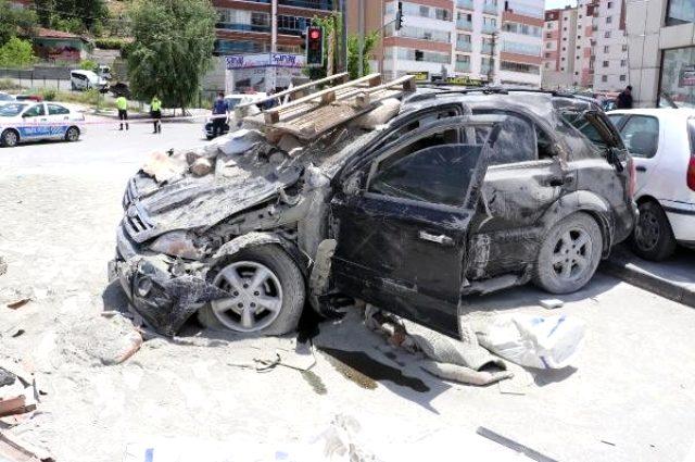 Freni boşalan kamyonun bilançosu ağır oldu: 1 ölü, 3 yaralı
