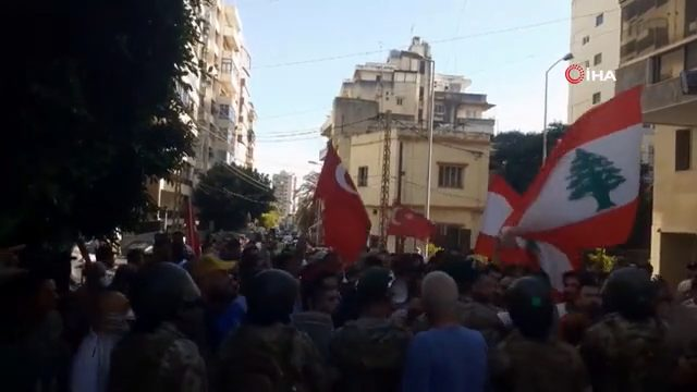 Lübnan'da Türkiye'ye hakaret eden televizyon kanalı protesto edildi