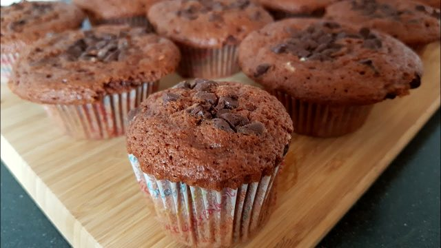 Kakaolu çikolatalı muffin tarifi! Kakaolu çikolatalı muffin nasıl yapılır?