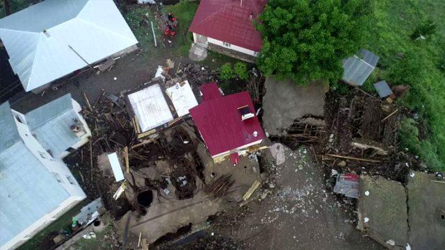 5.7'lik depremin yıkıcılığı gün ağarınca ortaya çıktı