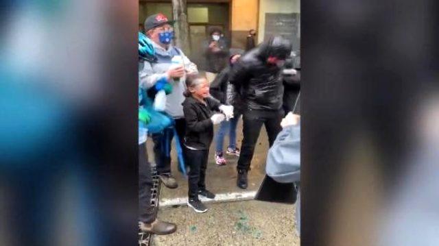 ABD'de polis, 7 yaşındaki çocuğun yüzüne biber gazı sıktı