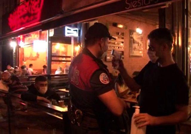 Fatih'te kafe ve restoranlarda korona virüs denetimi