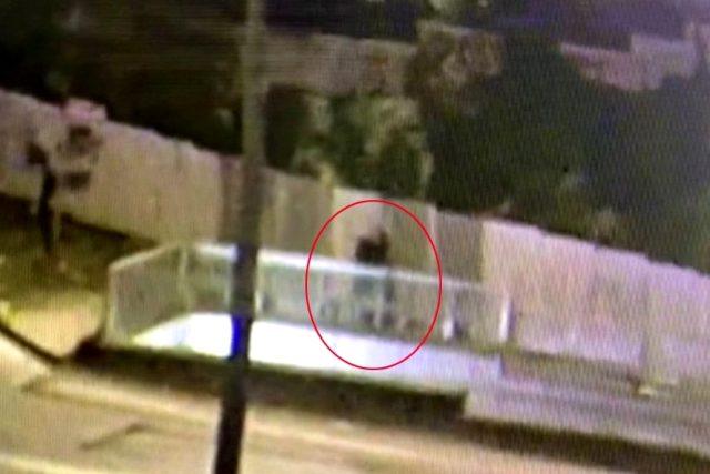 Sokak ortasında başını taşla ezip öldürdü! Kan donduran olayı kamera anbean kaydetti