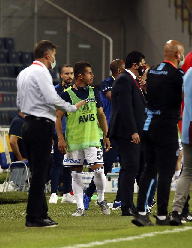 Fenerbahçe Trabzonspor maçında Emre Belözoğlu, yedek kulübesinde kırmızı kart gördü