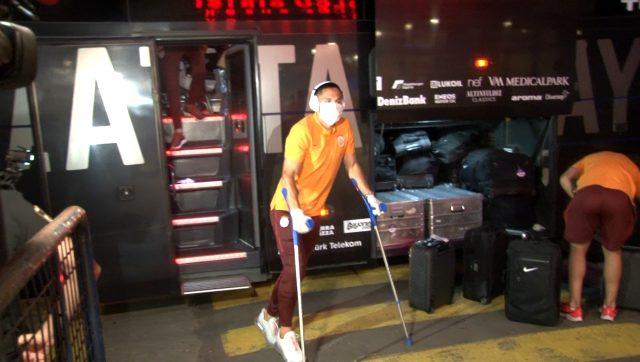 Rizespor maçında sakatlanan Florin Andone, Galatasaray'dan ayrıldı