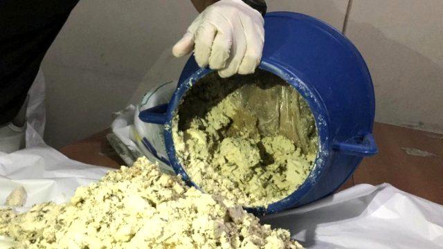 Zehir tacirleri, Van'ın meşhur lezzeti otlu peynirin içine 33 kiloluk eroin gizledi