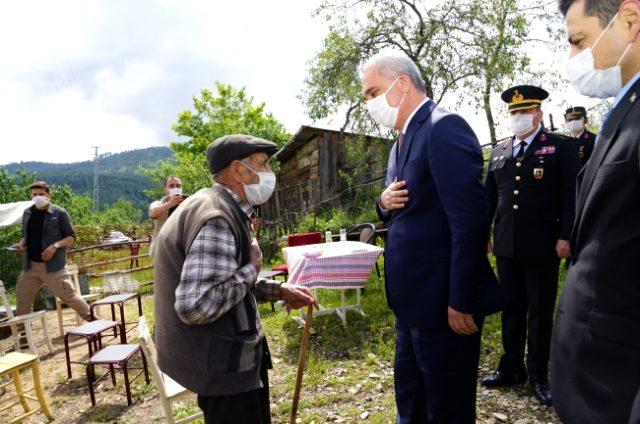 Kastamonu Valisi Avni Çakır ile şehit babasını duygulandıran tesadüf