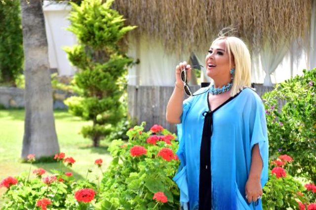 Safiye Soyman, klip çekmek için Bodrum'da otel kapattı