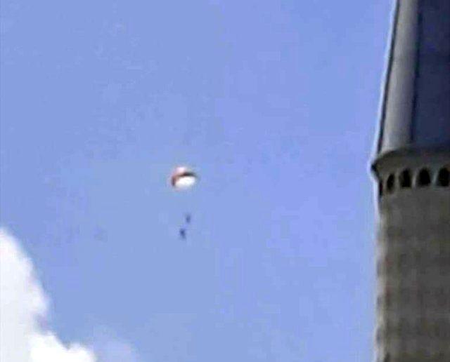 Son dakika: Ankara'daki eğitim uçağının düşme anı kameralara yansıdı