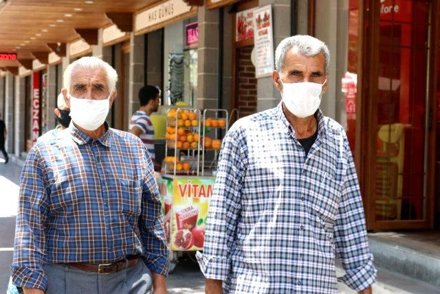Uzun süre kullanılan maskeler korona virüsün yayılma riskini artırıyor