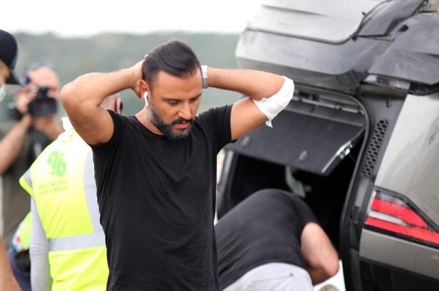 Ünlü şarkıcı Alişan kaza yaptı! Eşi ve çocuğunun da içinde olduğu araç takla attı