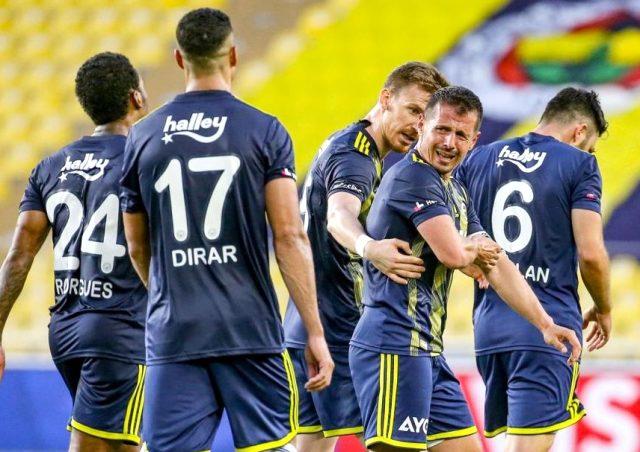 Emre Belözoğlu, Yeni Malatyaspor maçı sonrası gözyaşlarını tutamadı