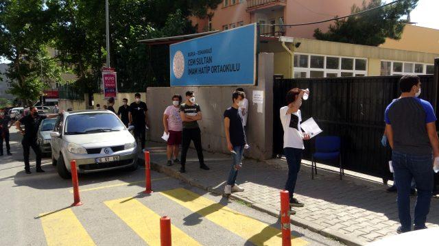 YKS'ye giden genç kız, sokağa maske takmadan çıktığı için 900 TL ceza yedi