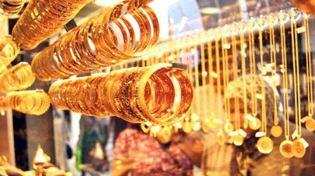 Düğünlerin başlayacak olmasıyla piyasada hareketlenme bekleyen kuyumcular, sahte altın konusunda uyardı