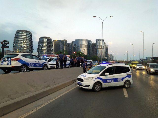 İstanbul'da 5 kişi taksiciyi rehin alıp bombalı saldırı tehdidinde bulundular