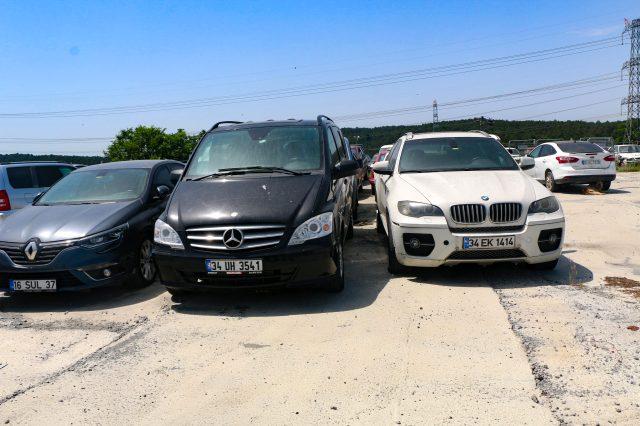Sahipleri tarafından alınmayan binlerce araç yediemin otoparklarında çürüyor