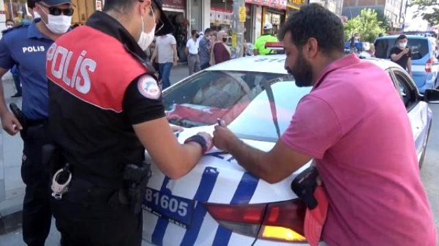 Arnavutköy'de maske cezasına kıyafetini çıkarıp tepki gösterdi