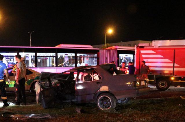 İzmir'de trafik kazası: 1ölü, 5 yaralı